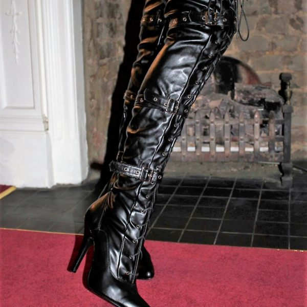 thigh lace up boots black (1)