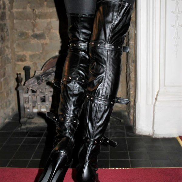 thigh lace up boots black (2)